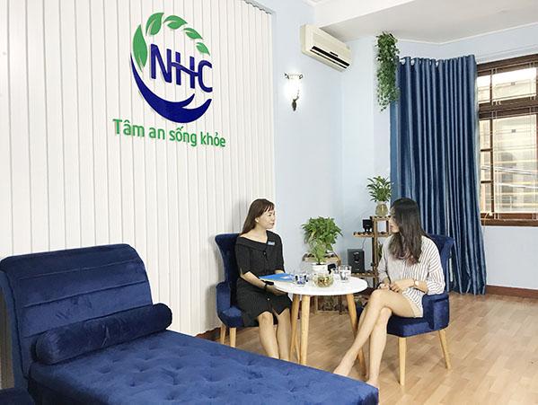 Em Nguyễn Tường Lam trong buổi tham vấn tại Trung tâm