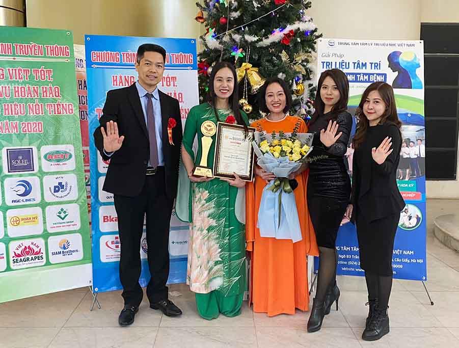 Đây là niềm vinh dự và tự hào của tập thể cán bộ nhân viên Trung tâm Tâm lý trị liệu NHC Việt Nam