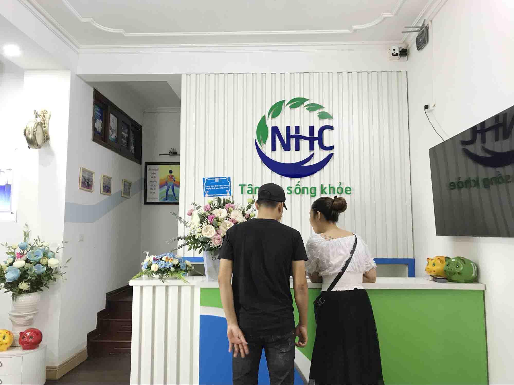 Chị Giang tới Trung tâm Tâm lý trị liệu NHC Việt Nam trong tình trạng trầm cảm sau sinh kéo dài đã hơn 1 năm