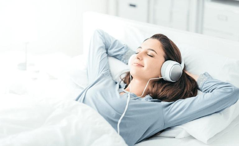 Nghe nhạc êm dịu