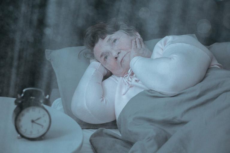 Chứng mất ngủ ở người già