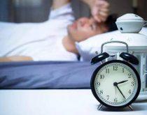 Thức giấc lúc gần sáng và không ngủ lại được