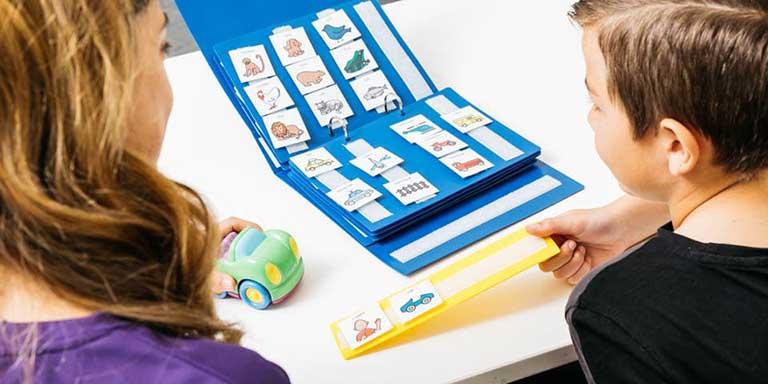Phương pháp dạy trẻ tự kỷ bằng hình ảnh (PECS)