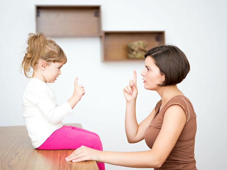 Cách kiềm chế cơn nóng giận khi dạy con
